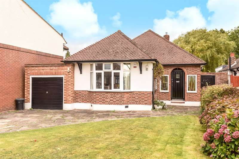 2 Bedrooms Bungalow for sale in Francis Road, Pinner, Middlesex, HA5