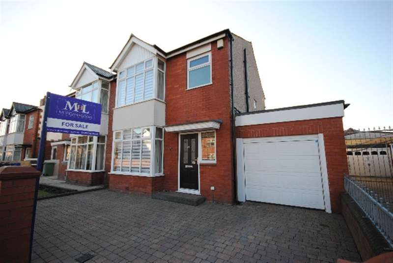 3 Bedrooms Semi Detached House for sale in Danesway, Wigan, WN1