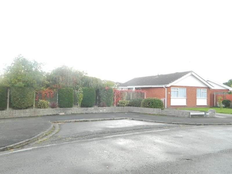 2 Bedrooms Detached Bungalow for sale in Maes Rhosyn, Rhuddlan