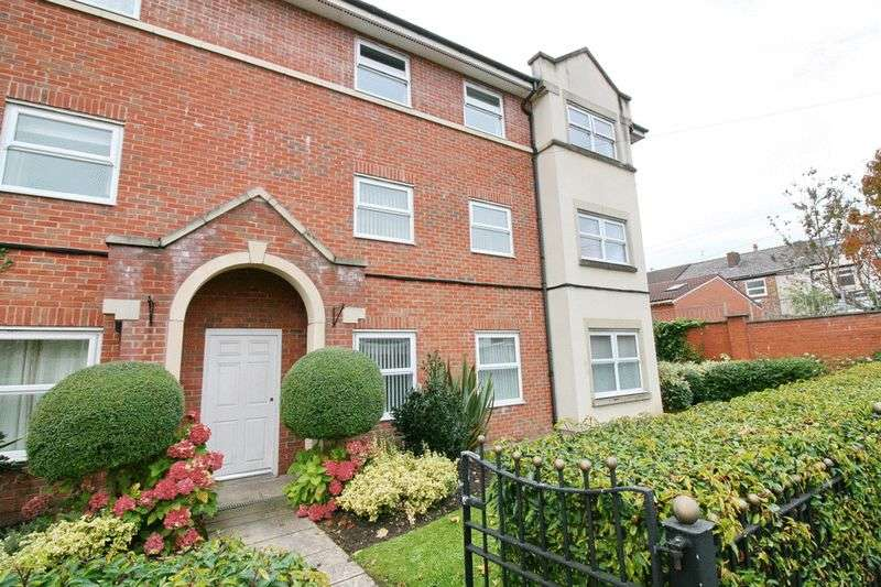 2 Bedrooms Flat for sale in Atkin Street, Worsley Manchester
