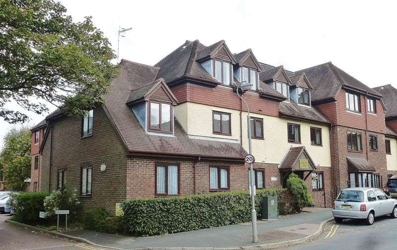 2 Bedrooms Retirement Property for sale in Ladie Mile Court, Ladies Mile Road, Patcham, Brighton,