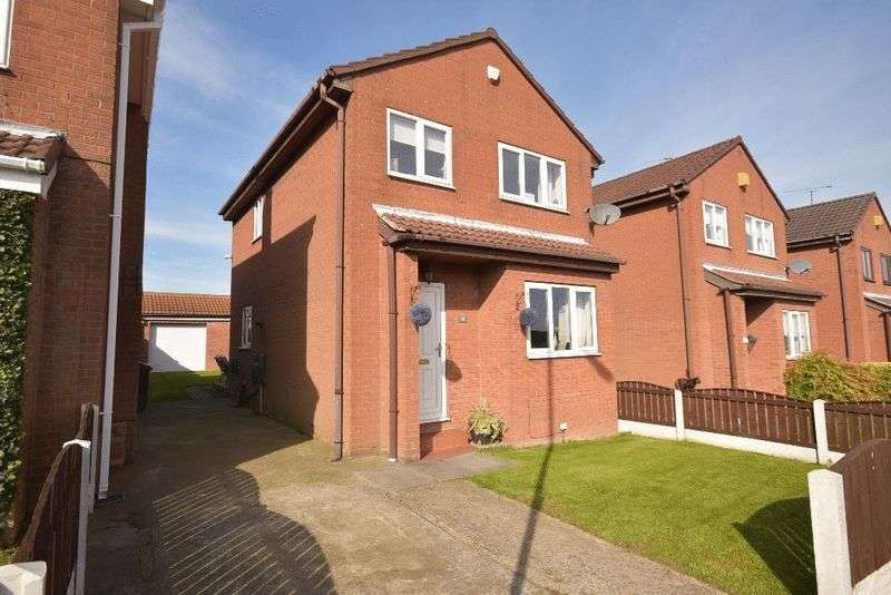 3 Bedrooms Detached House for sale in Elder Avenue, Upton
