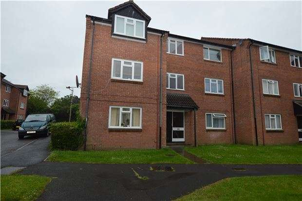 1 Bedroom Flat for sale in St. Peters Close, CHELTENHAM, Gloucestershire, GL51 9DX
