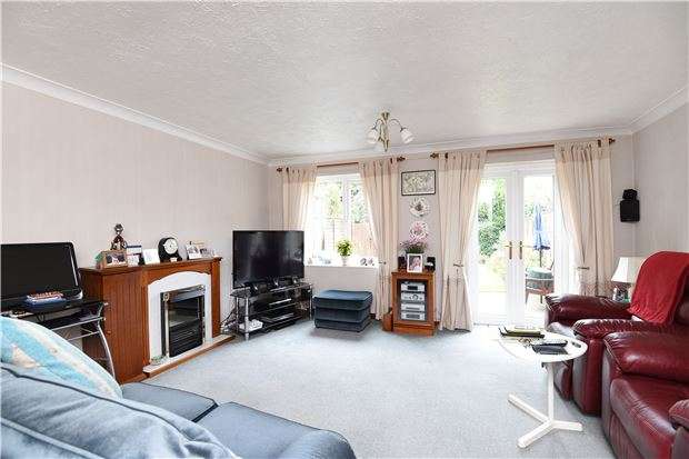 3 Bedrooms Terraced House for sale in St. Georges Road, Mitcham, Surrey, CR4