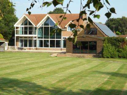 4 Bedrooms House for sale in Woodlands, Southampton, Hampshire