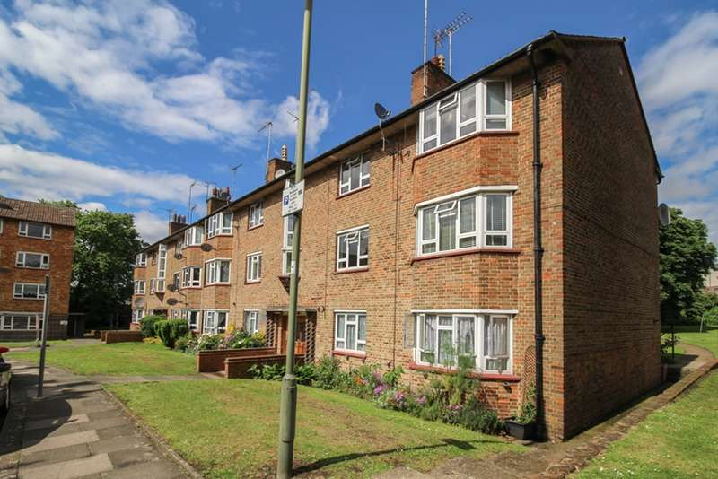2 Bedrooms Flat for sale in Cricklewood Lane, Childs Hill, London, NW2