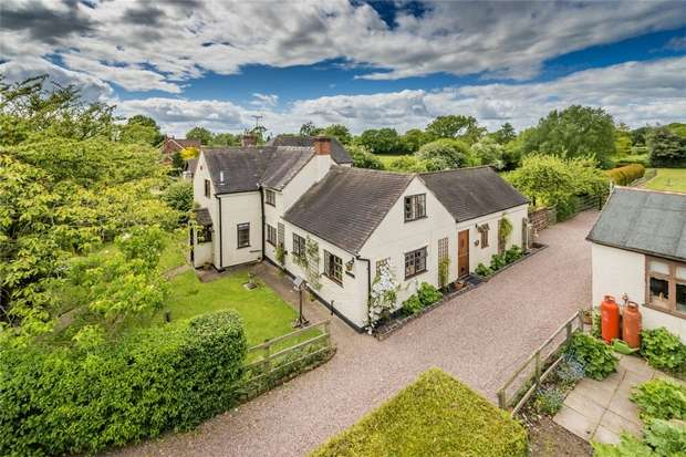 4 Bedrooms Detached House for sale in Ashfields, Hinstock, Shropshire
