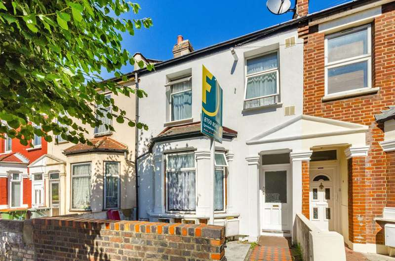 3 Bedrooms Flat for sale in Halley Road, Manor Park, E12