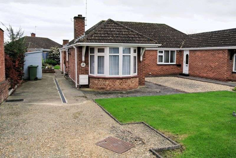 3 Bedrooms Semi Detached Bungalow for sale in Laura Close, Gloucester