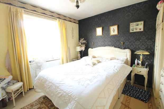 2 Bedrooms Apartment Flat for sale in Orchard Place,, Rotherham, South Yorkshire, S60 1HQ