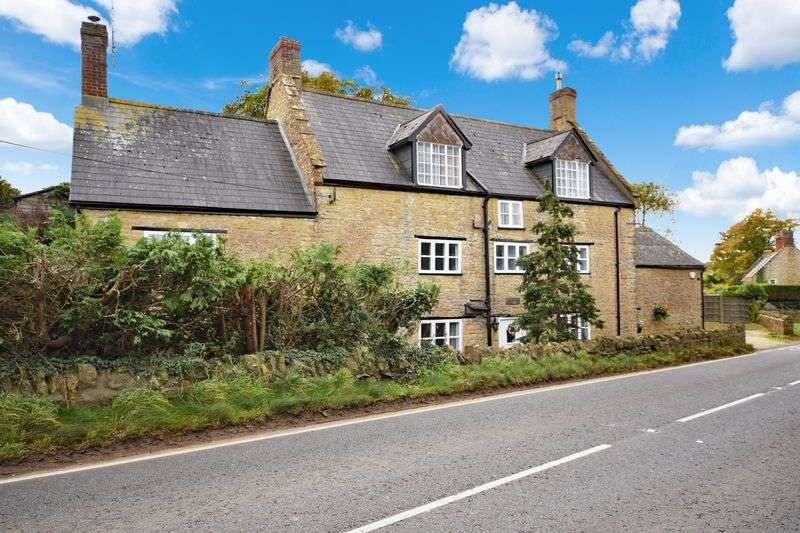 4 Bedrooms House for sale in Oborne, Dorset