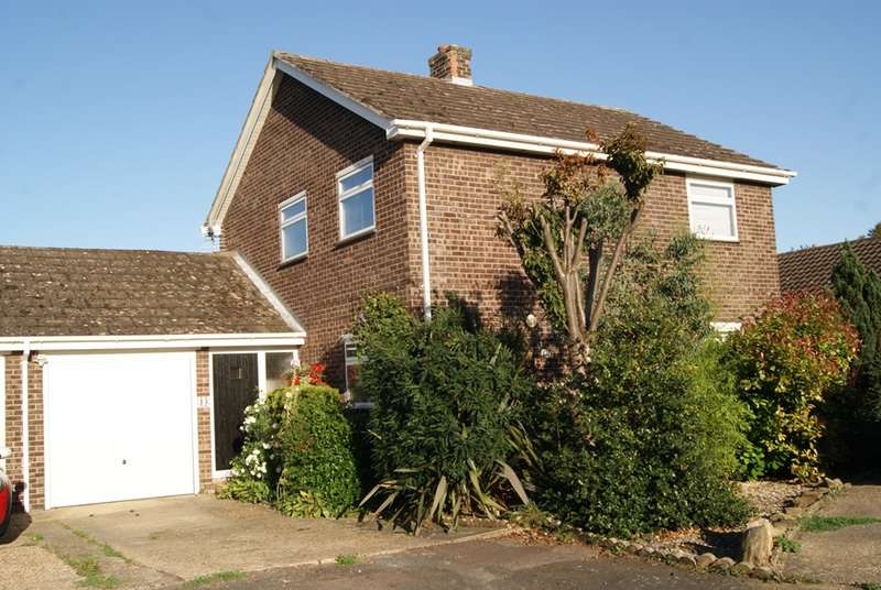 3 Bedrooms Detached House for sale in Rayners Close, Fowlmere Royston, Hertfordshire, SG8