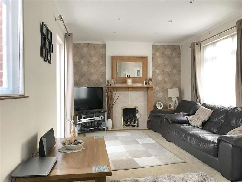 3 Bedrooms Detached House for sale in Arundel Road, Littlehampton, West Sussex