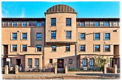 3 Bedrooms Flat for sale in Cumberland Street, New Gorbals, Glasgow