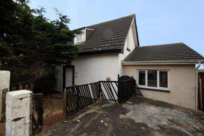 4 Bedrooms Semi Detached House for sale in Parkend Road, Saltcoats, North Ayrshire