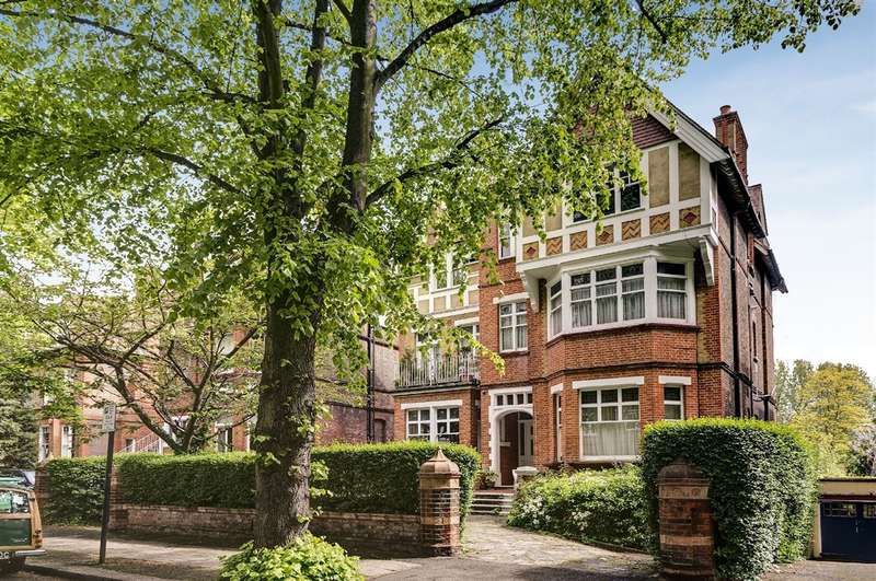 2 Bedrooms Property for sale in Strathray Gardens, Belsize Park, NW3
