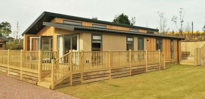 2 Bedrooms Bungalow for sale in Riverview Holiday Park, Mangerton, Newcastleton, Borders, TD9 0TF