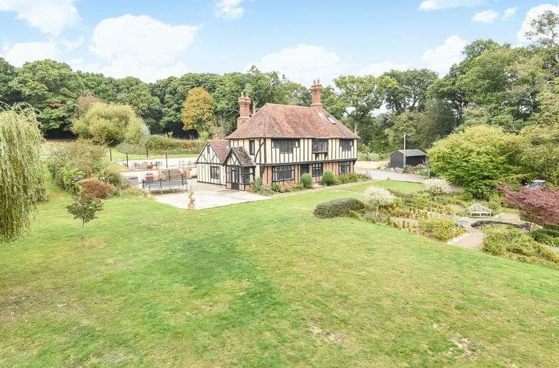 7 Bedrooms Detached House for sale in Cowfold Road, Horsham