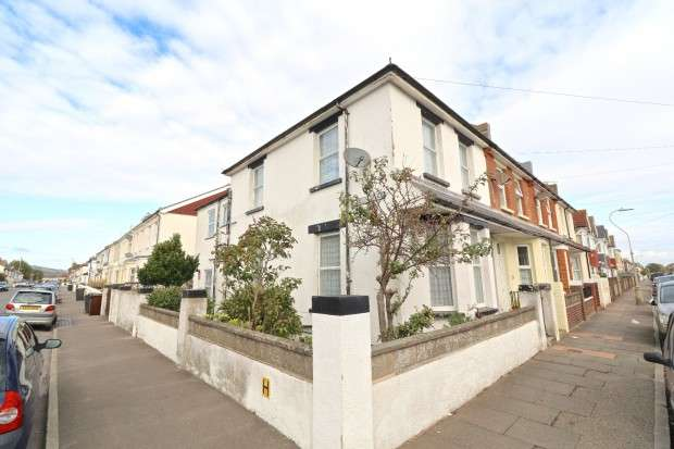4 Bedrooms End Of Terrace House for sale in Sidley Road, Eastbourne, BN22
