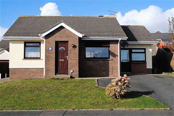 2 Bedrooms Detached Bungalow for sale in Glenview Avenue, Pembroke Dock