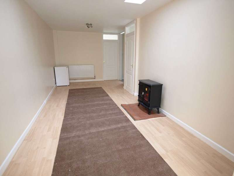 3 Bedrooms Bungalow for sale in Blenheim Drive, Launton
