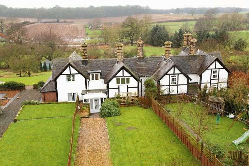 3 Bedrooms Terraced House for sale in Pickstock, Newport