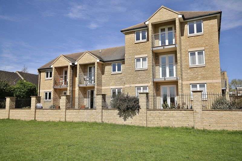 1 Bedroom Flat for sale in SHIRLEY HEIGHTS, Farmhouse Meadow, Witney OX28 5DF