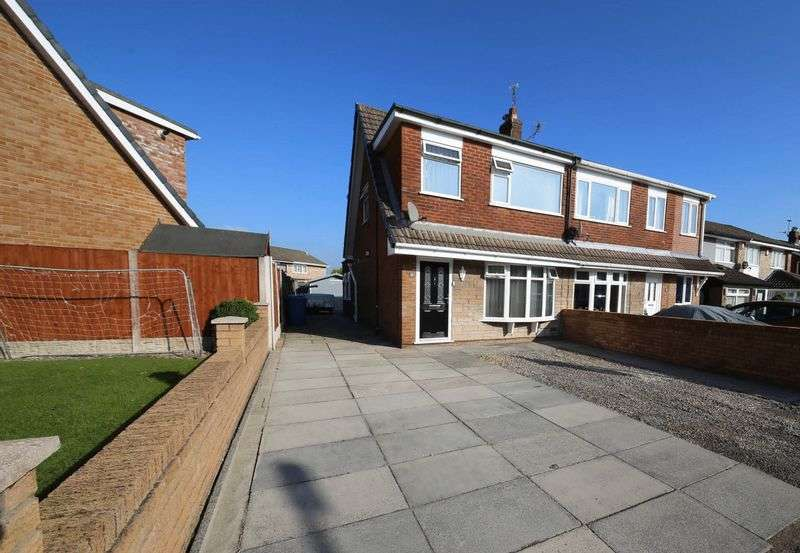 3 Bedrooms Semi Detached House for sale in Shefford Crescent, Winstanley, Wigan