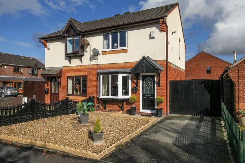 2 Bedrooms Semi Detached House for sale in Longfellow Close, Wigan