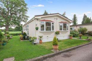 2 Bedrooms Mobile Home for sale in St. Brelades Court, Crouch House Road, Edenbridge, Kent
