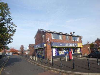 3 Bedrooms Flat for sale in Sidmouth Road, Sale, Trafford, Greater Manchester