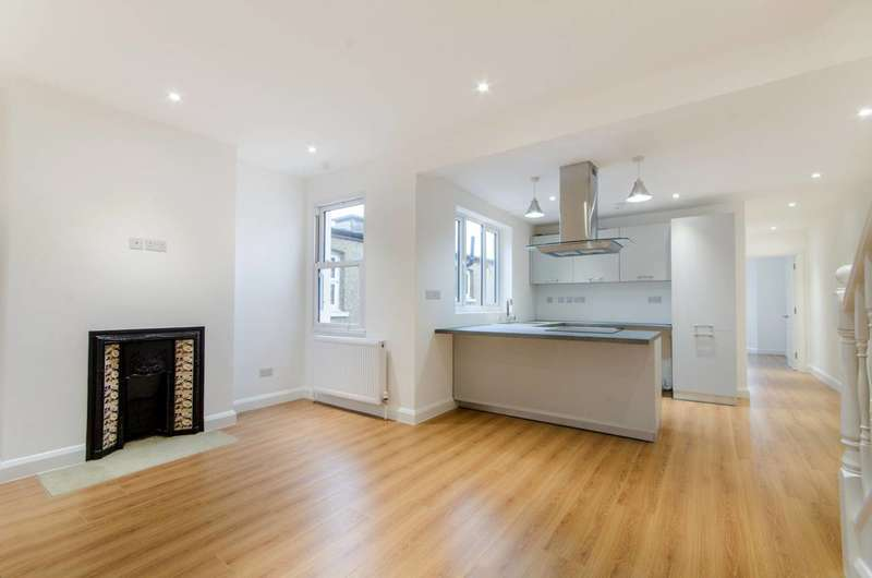 2 Bedrooms Flat for sale in Alston Road, High Barnet, EN5