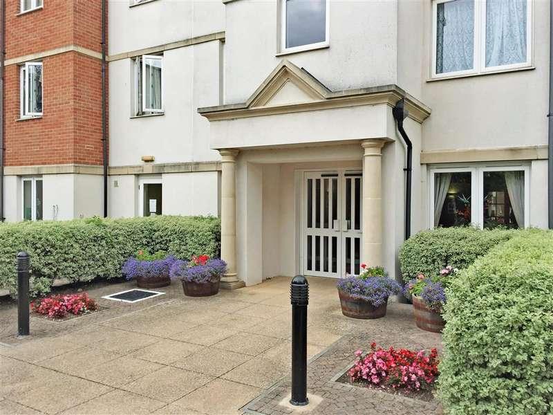 2 Bedrooms Flat for sale in Harold Road, Cliftonville, Margate, Kent