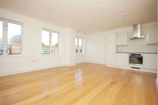 2 Bedrooms Flat for sale in Park Road, Hampton Hill