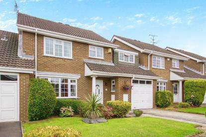 4 Bedrooms Link Detached House for sale in Cleveland Close, Thornbury, Bristol, South Gloucestershire