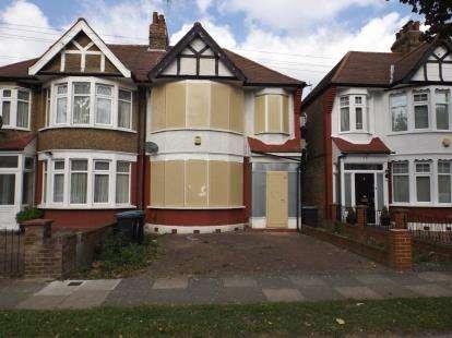 3 Bedrooms Semi Detached House for sale in Norfolk Avenue, London