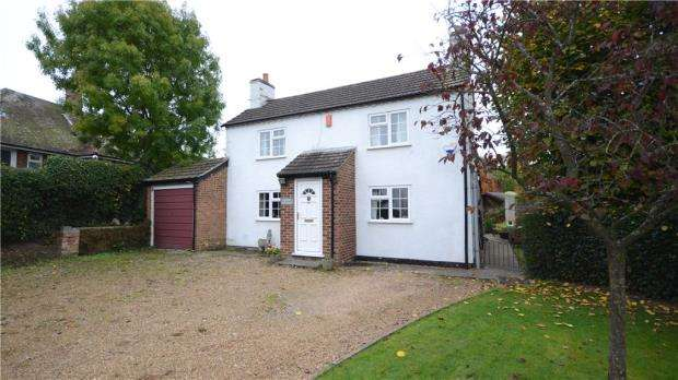 2 Bedrooms Detached House for sale in Rose Hill, Binfield