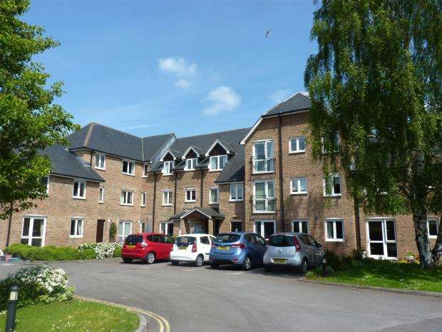 1 Bedroom Flat for sale in Avongrove Court, The Avenue, Taunton, Somerset