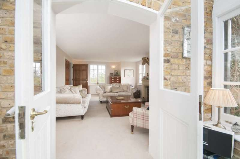 4 Bedrooms Detached House for sale in Childerditch Street, Childerditch