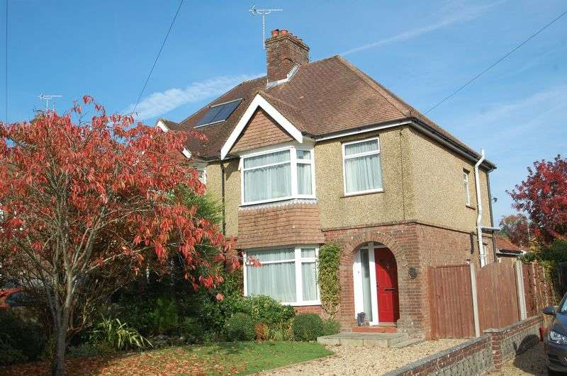 3 Bedrooms Semi Detached House for sale in Bell Hill, Petersfield