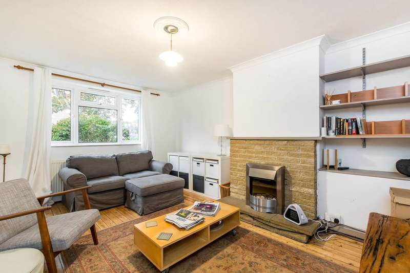 2 Bedrooms Flat for sale in Brick Farm Close, Kew, TW9