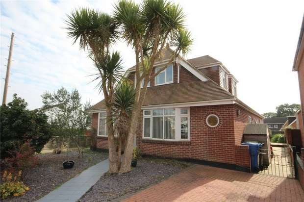 5 Bedrooms Chalet House for sale in Lake Road, Hamworthy, POOLE, Dorset