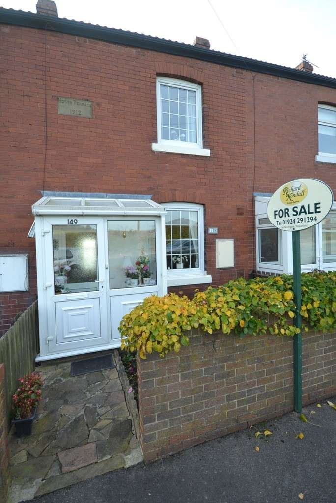2 Bedrooms Terraced House for sale in Batley Road, Kirkhamgate, Wakefield