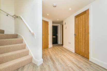 2 Bedrooms Detached House for sale in Norwich