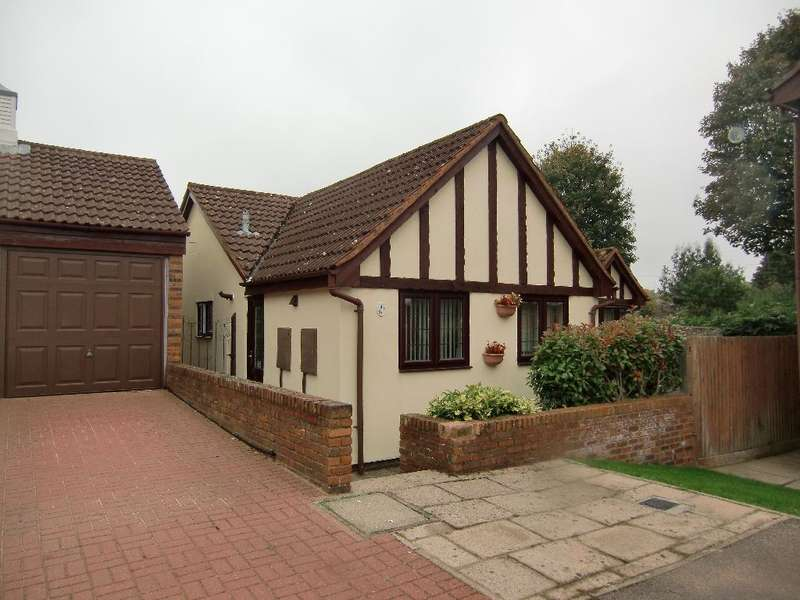 3 Bedrooms Bungalow for sale in Tudor Manor Gardens, Garston Watford, Herts, WD25