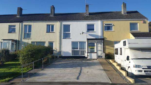 3 Bedrooms Terraced House for sale in Beatrice Avenue, Saltash, Cornwall
