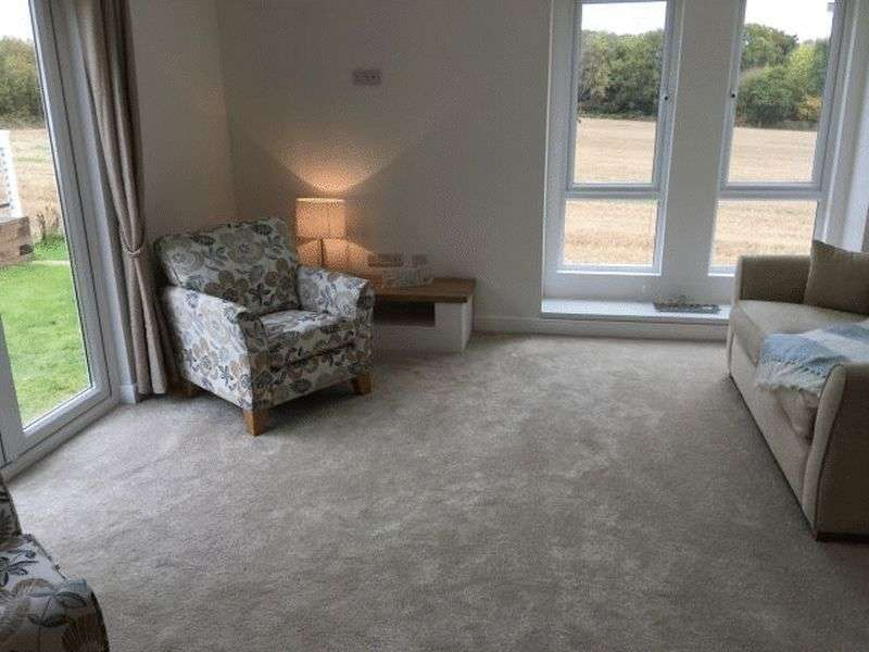 2 Bedrooms Bungalow for sale in Broadwell Woods Park, Kenilworth, Warwick, Warwickshire, CV8 1QF