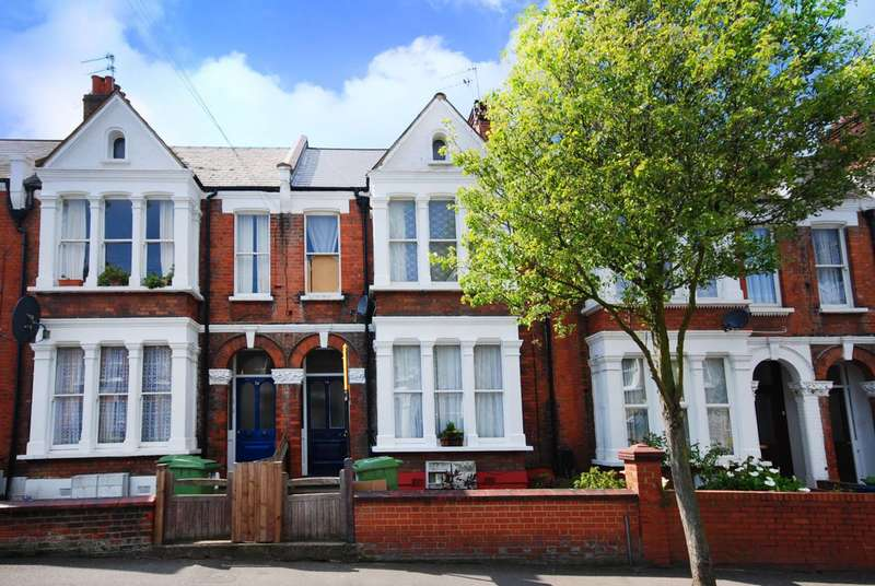 2 Bedrooms Flat for sale in Bushey Hill Road, Camberwell, SE5