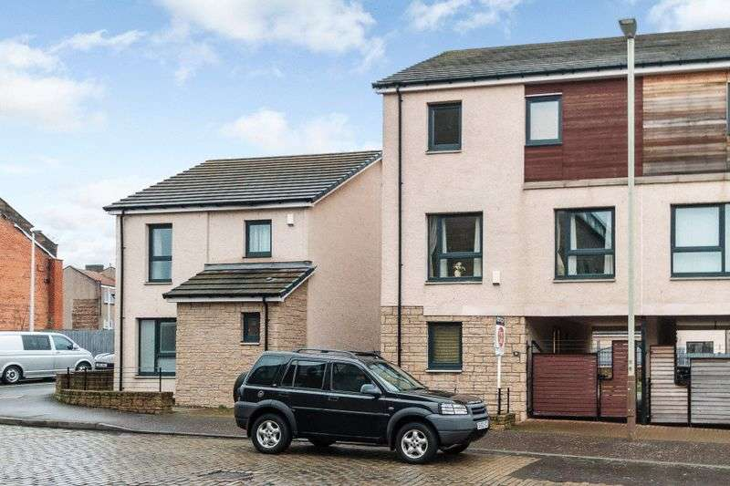 4 Bedrooms Property for sale in Brown Constable Street, Dundee