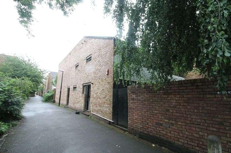4 Bedrooms Terraced House for rent in **STUDENT PROPERTY** High Kingsdown, Kingsdown, Bristol